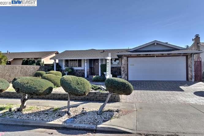 Частный односемейный дом для того Продажа на 3050 Darwin 3050 Darwin Fremont, Калифорния 94555 Соединенные Штаты