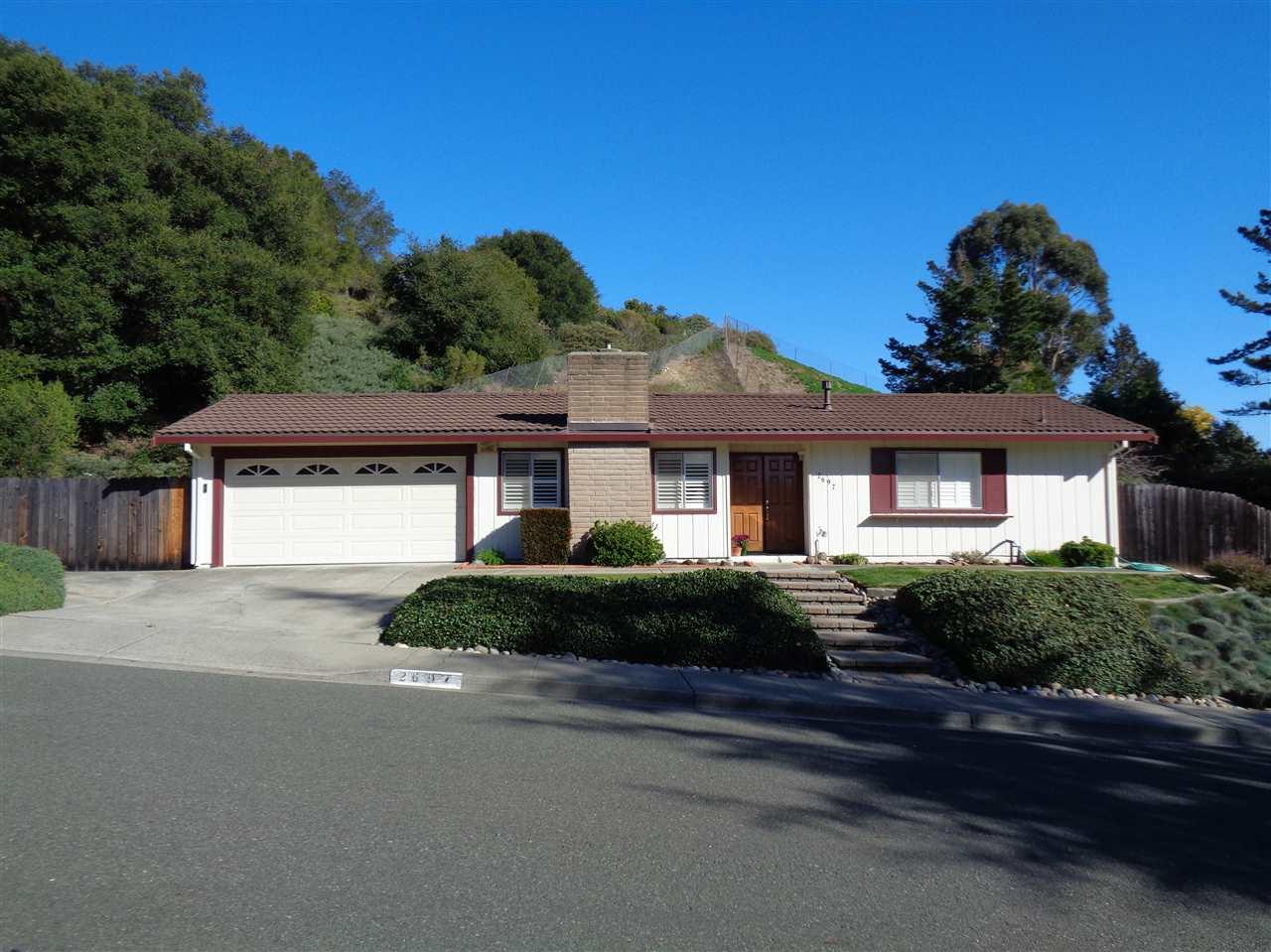 Casa Unifamiliar por un Venta en 2697 Mendocino Drive 2697 Mendocino Drive Pinole, California 94564 Estados Unidos
