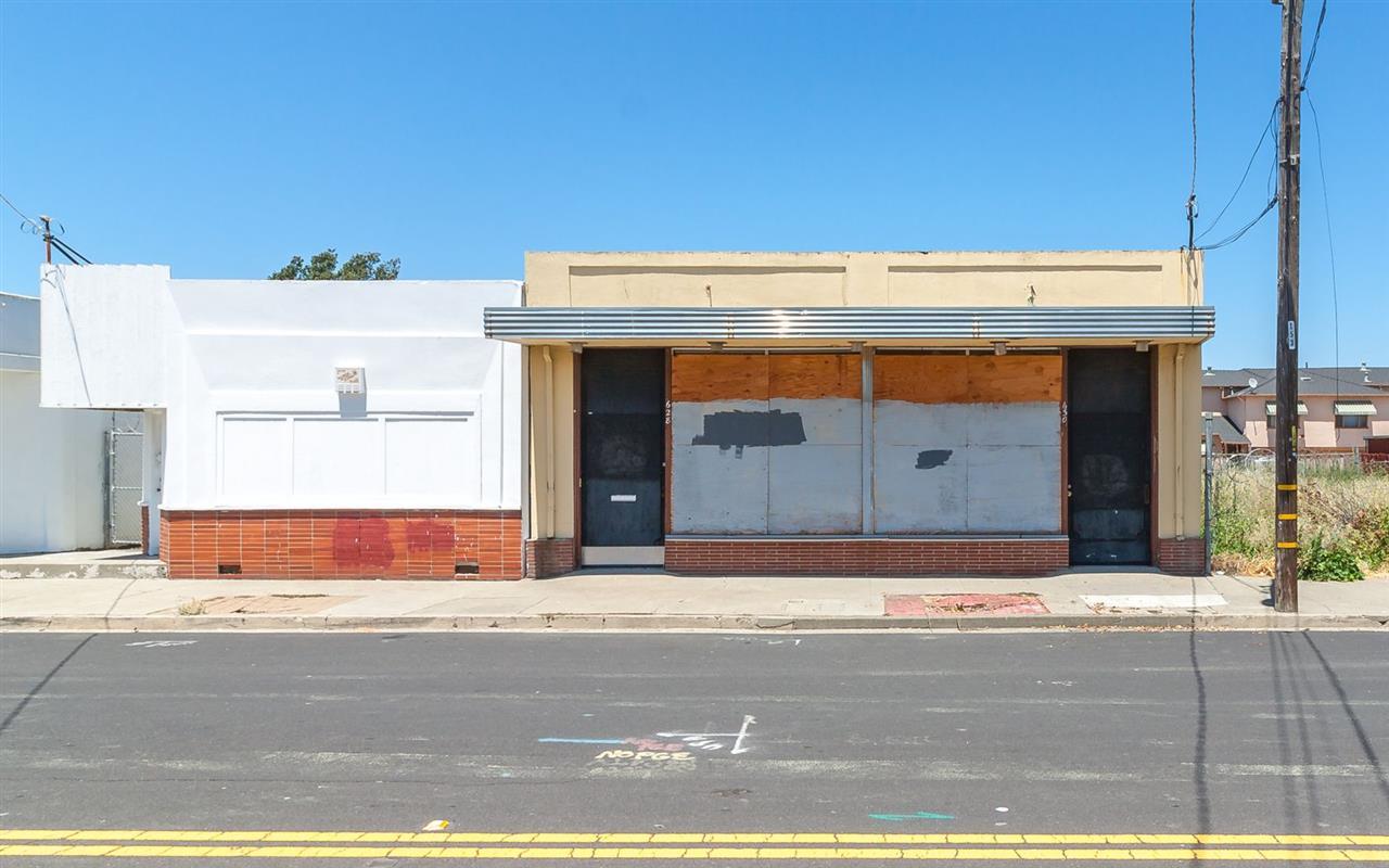 多戶家庭房屋 為 出售 在 628 2Nd Street 628 2Nd Street Rodeo, 加利福尼亞州 94572 美國