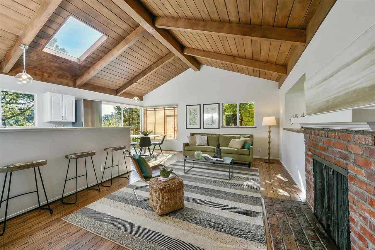 واحد منزل الأسرة للـ Sale في 7090 Homewood Drive 7090 Homewood Drive Oakland, California 94611 United States