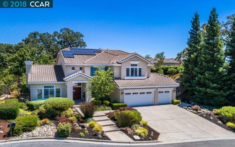 Casa Unifamiliar por un Venta en 15 Julie Highlands Court 15 Julie Highlands Court Lafayette, California 94549 Estados Unidos