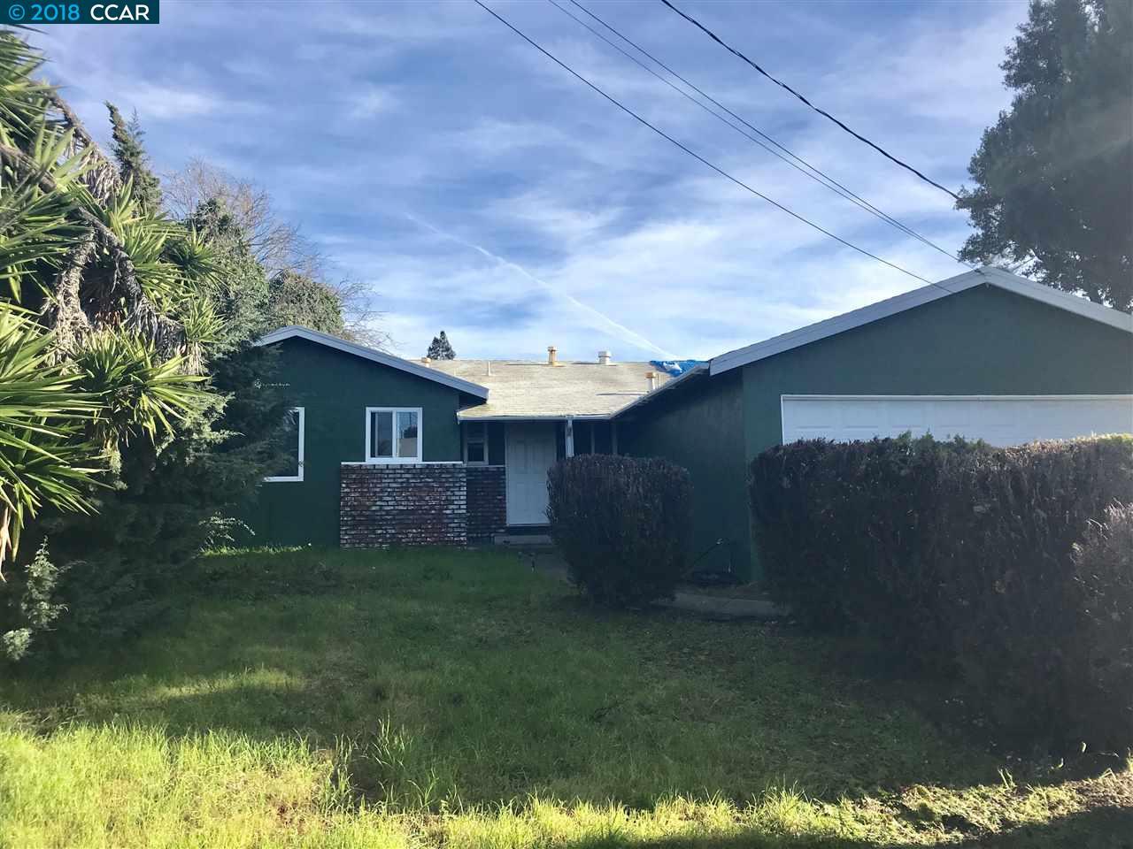 واحد منزل الأسرة للـ Sale في 2832 Sargent Avenue 2832 Sargent Avenue San Pablo, California 94806 United States
