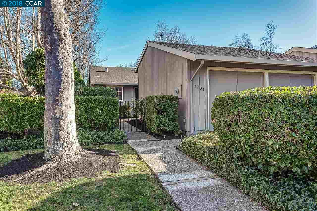 تاون هاوس للـ Sale في 1701 Saint Andrews Drive 1701 Saint Andrews Drive Moraga, California 94556 United States