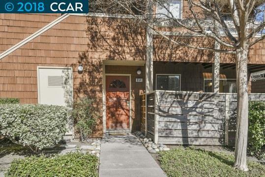 Appartement en copropriété pour l Vente à 654 Fig Tree Lane 654 Fig Tree Lane Martinez, Californie 94553 États-Unis