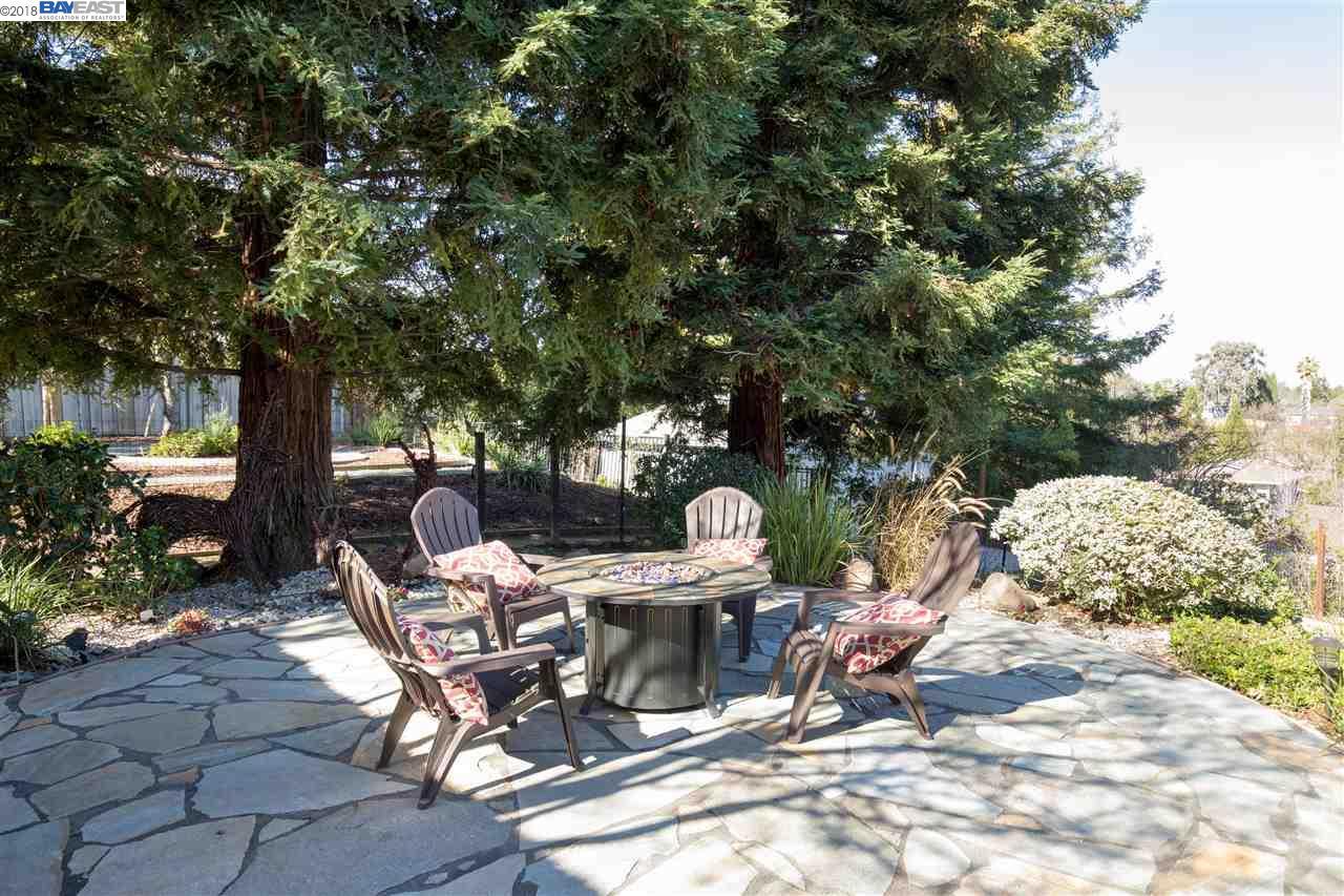 4 KULANI LN, PLEASANT HILL, CA 94523  Photo