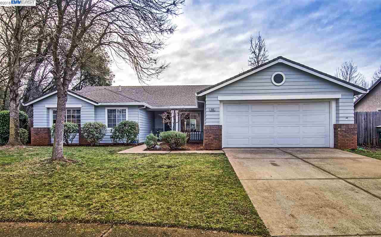 Einfamilienhaus für Verkauf beim 1981 Jeanae Court 1981 Jeanae Court Redding, Kalifornien 96002 Vereinigte Staaten