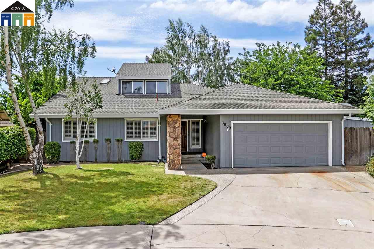 Single Family Home for Sale at 3909 Rexford Court 3909 Rexford Court Modesto, California 95356 United States