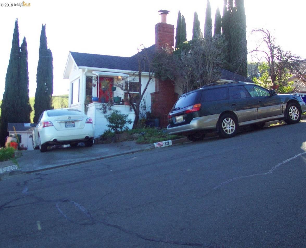 一戸建て のために 売買 アット 23 Baldwin Avenue 23 Baldwin Avenue Crockett, カリフォルニア 94525 アメリカ合衆国