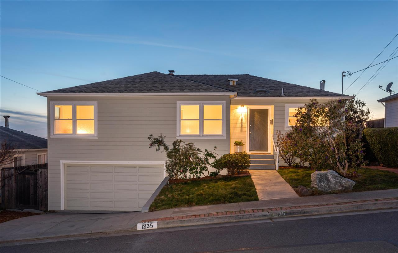 Single Family Home for Sale at 1235 Navellier Street 1235 Navellier Street El Cerrito, California 94530 United States