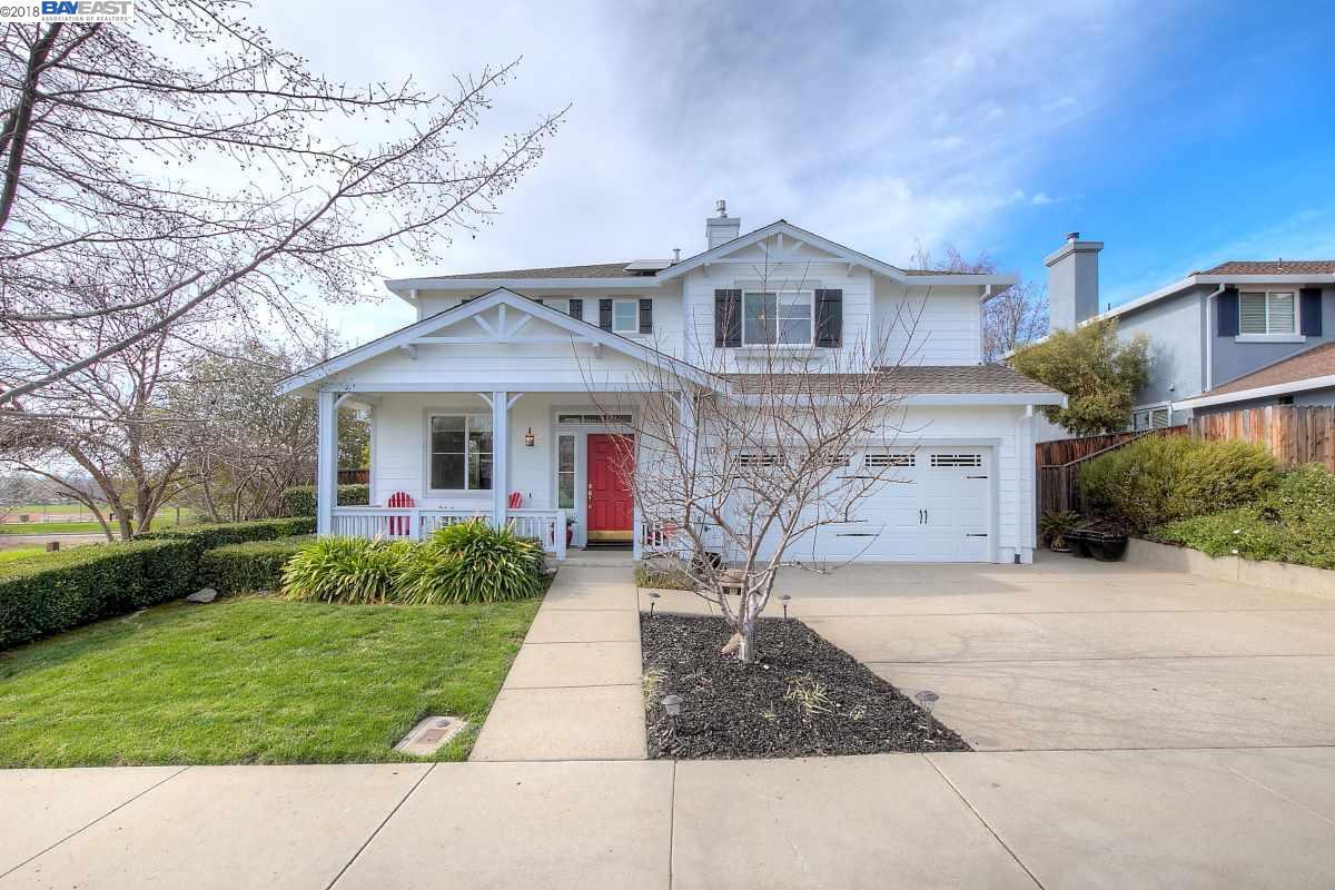 واحد منزل الأسرة للـ Sale في 1656 Blackoak Court 1656 Blackoak Court Livermore, California 94551 United States