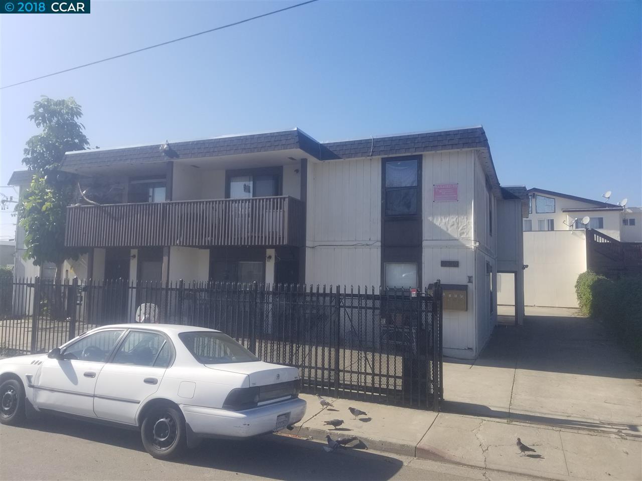 متعددة للعائلات الرئيسية للـ Sale في 2839 Del Camino Drive 2839 Del Camino Drive San Pablo, California 94806 United States
