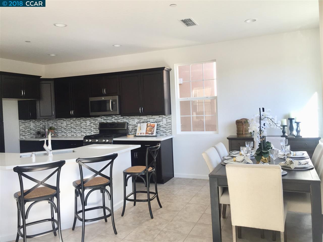واحد منزل الأسرة للـ Sale في 463 Colina Way 463 Colina Way El Sobrante, California 94803 United States