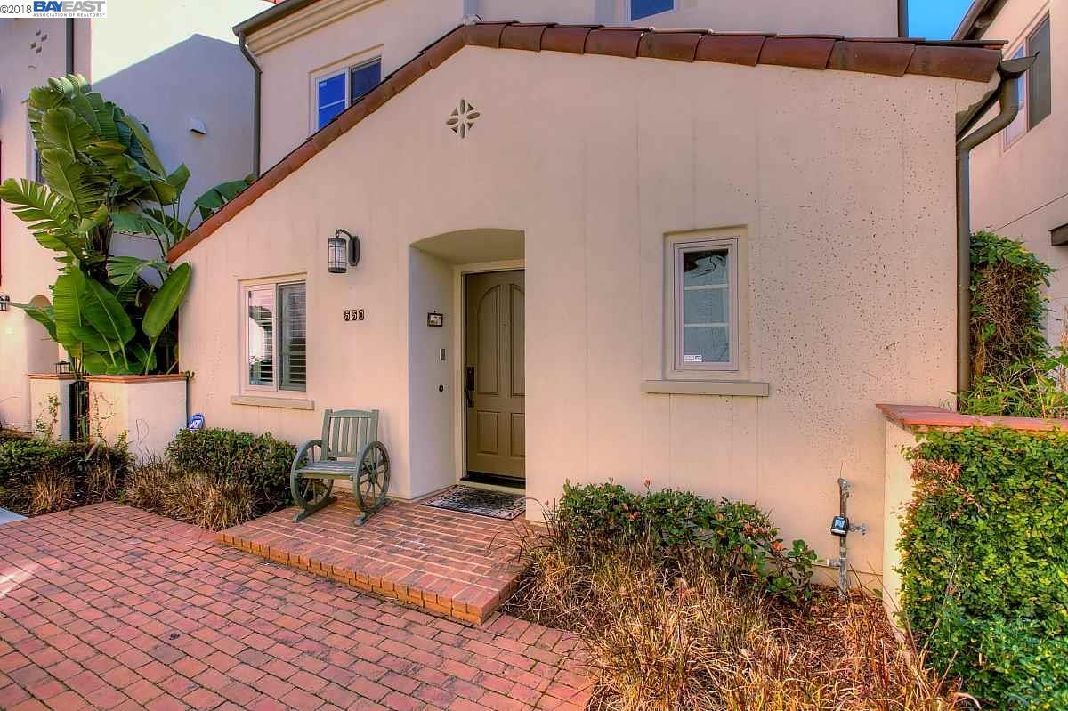 Maison unifamiliale pour l Vente à 550 Palo Verde Cmns 550 Palo Verde Cmns Fremont, Californie 94539 États-Unis