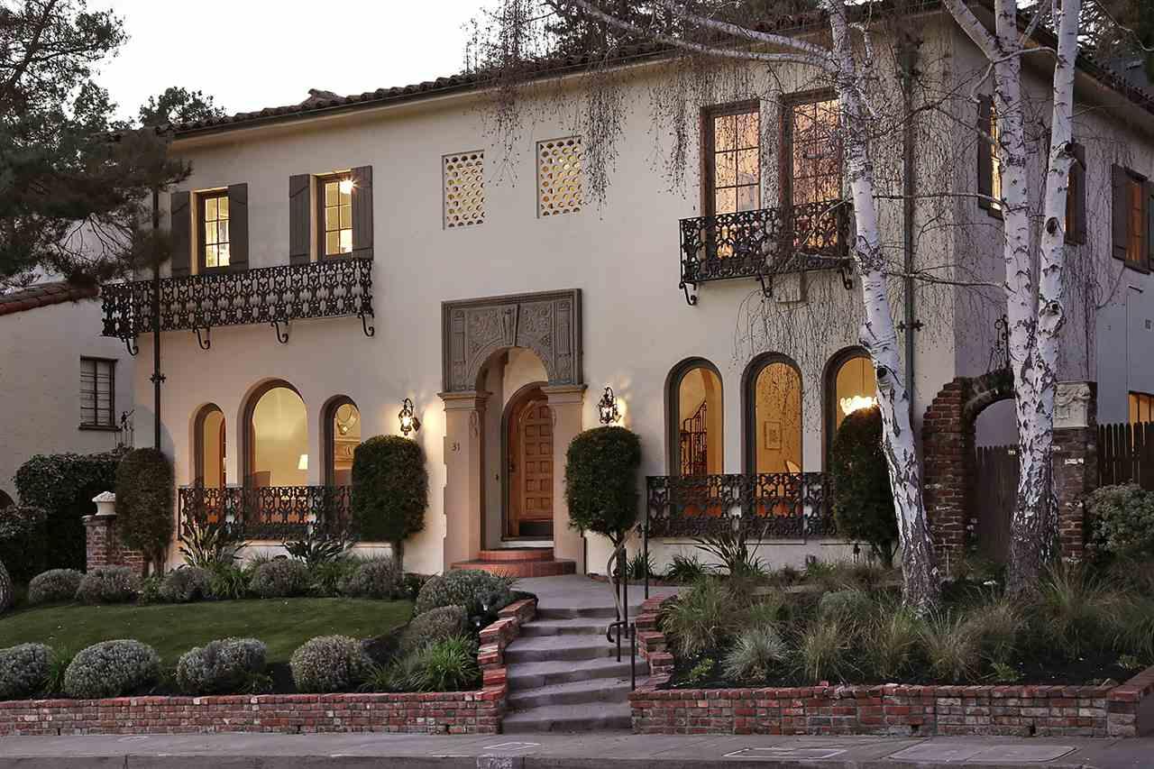 Maison unifamiliale pour l Vente à 31 La Salle Avenue 31 La Salle Avenue Piedmont, Californie 94611 États-Unis