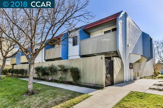 Таунхаус для того Продажа на 1800 Laguna Street 1800 Laguna Street Concord, Калифорния 94520 Соединенные Штаты