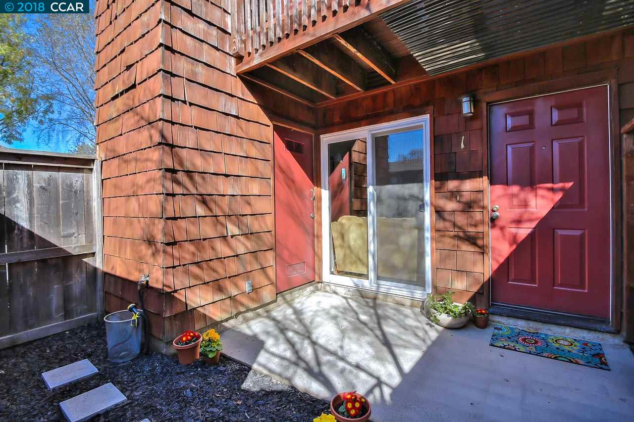 Appartement en copropriété pour l Vente à 1455 Latour Lane 1455 Latour Lane Concord, Californie 94521 États-Unis