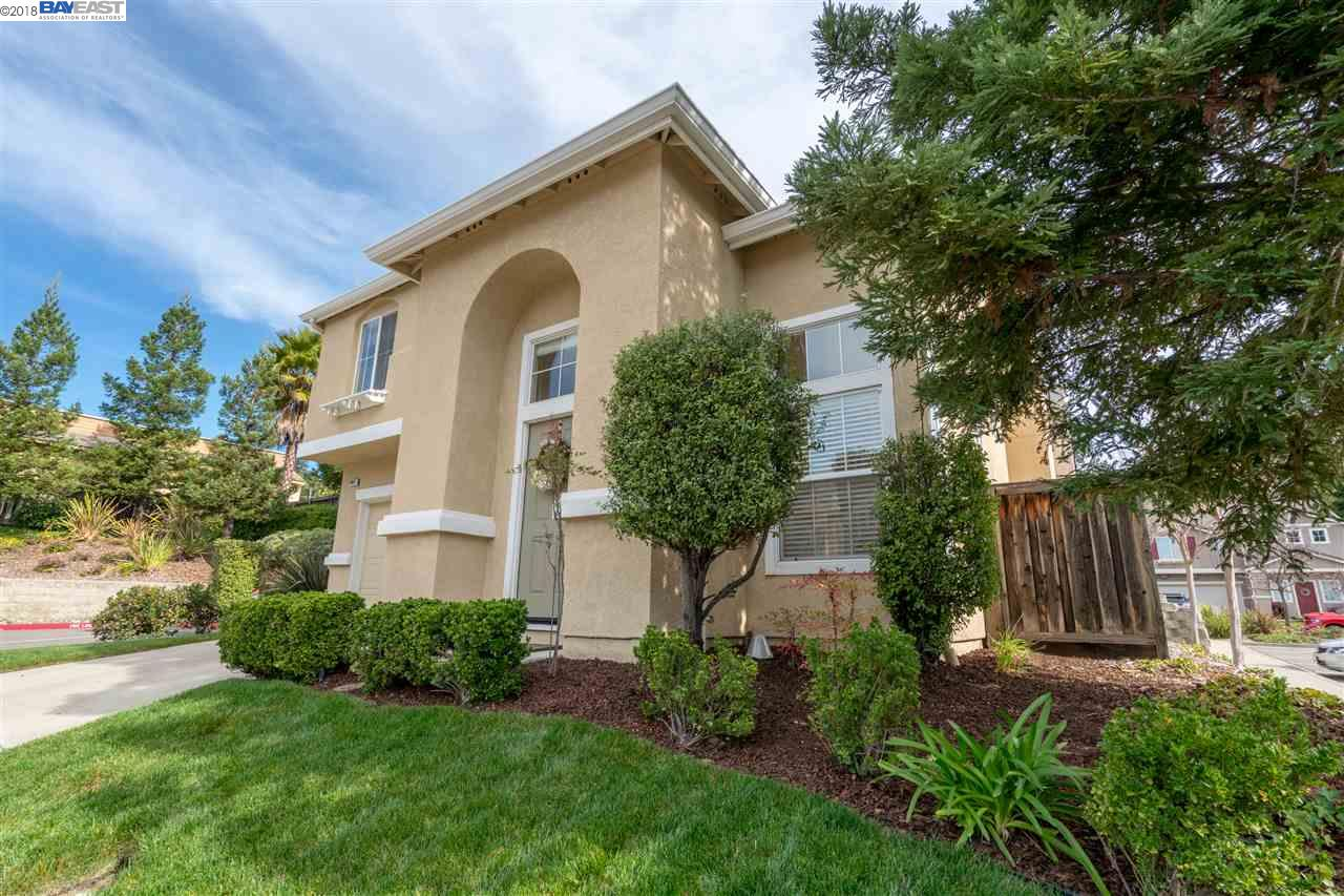 Single Family Home for Sale at 20017 Shadow Creek Circle 20017 Shadow Creek Circle Castro Valley, California 94552 United States
