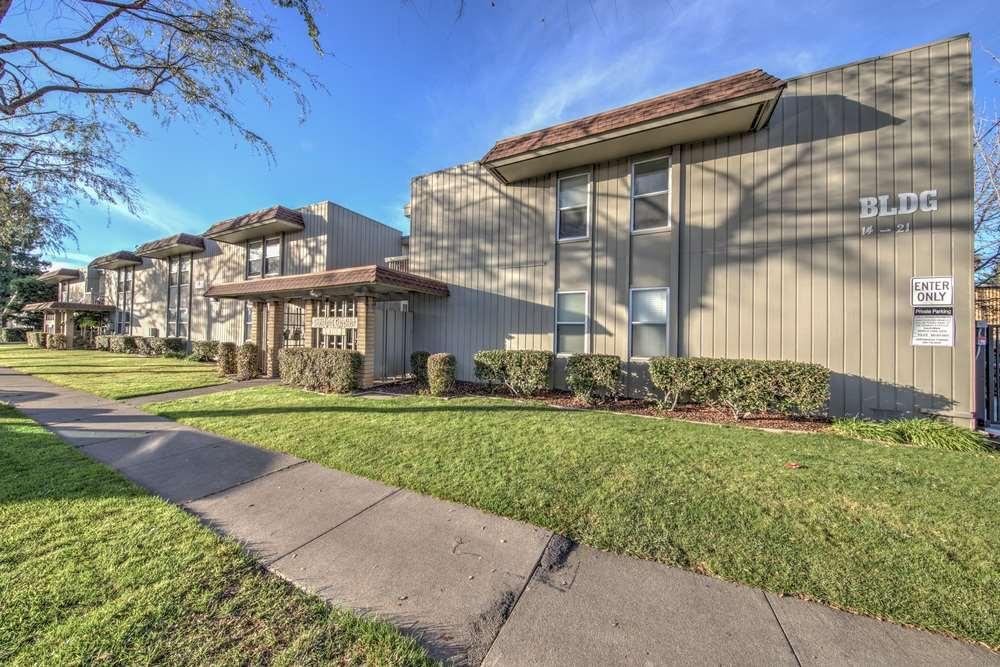Multi-Family Home for Sale at 3515 Chestnut Avenue 3515 Chestnut Avenue Concord, California 94519 United States