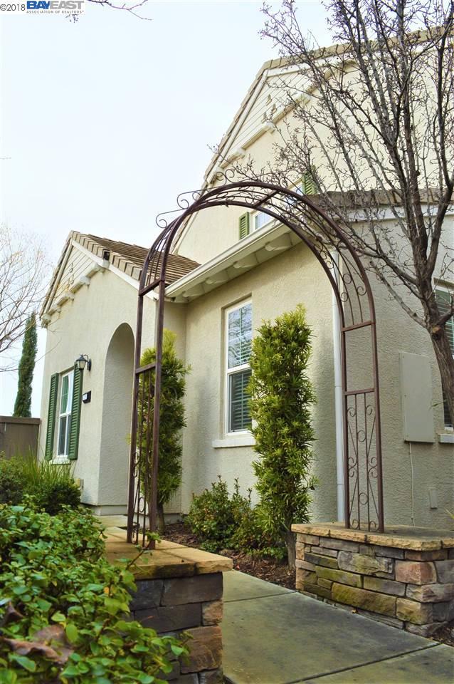 Appartement en copropriété pour l Vente à 239 Chambord Way 239 Chambord Way Roseville, Californie 95678 États-Unis