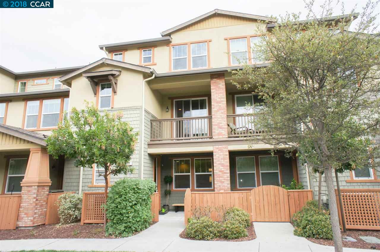 Townhouse for Sale at 221 El Paseo Circle 221 El Paseo Circle Walnut Creek, California 94597 United States