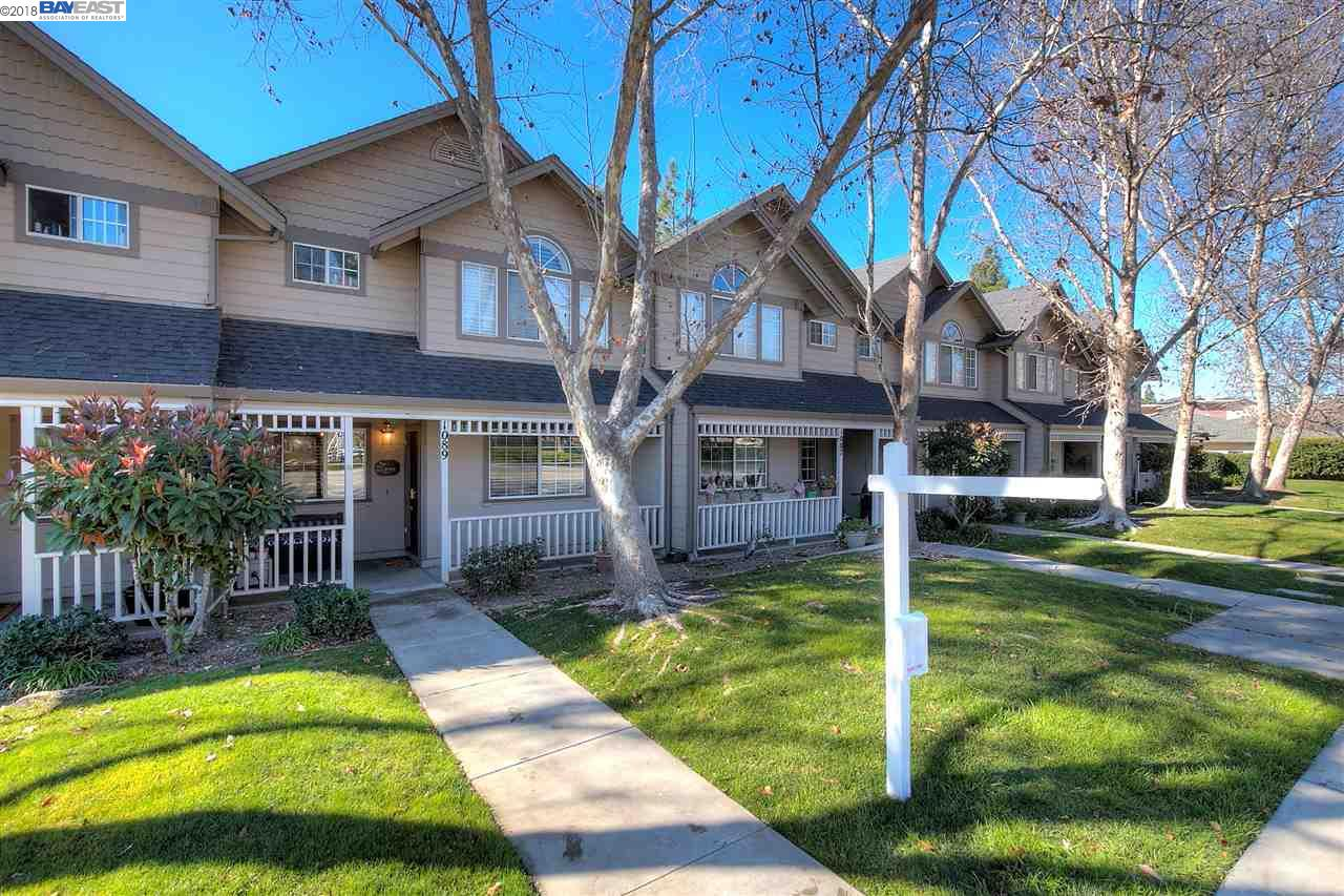 Townhouse for Sale at 1089 S Livermore Avenue 1089 S Livermore Avenue Livermore, California 94550 United States