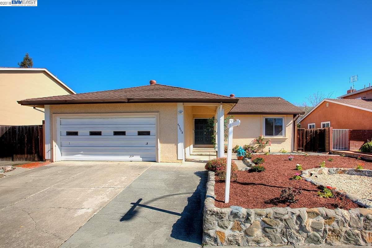 Maison unifamiliale pour l Vente à 47658 Hoyt Street 47658 Hoyt Street Fremont, Californie 94539 États-Unis