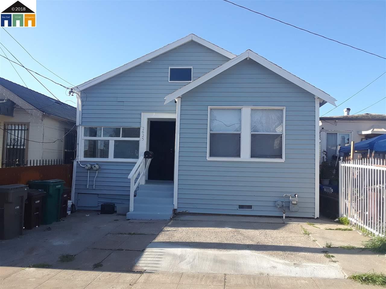 واحد منزل الأسرة للـ Sale في 2625 75th Avenue 2625 75th Avenue Oakland, California 94605 United States