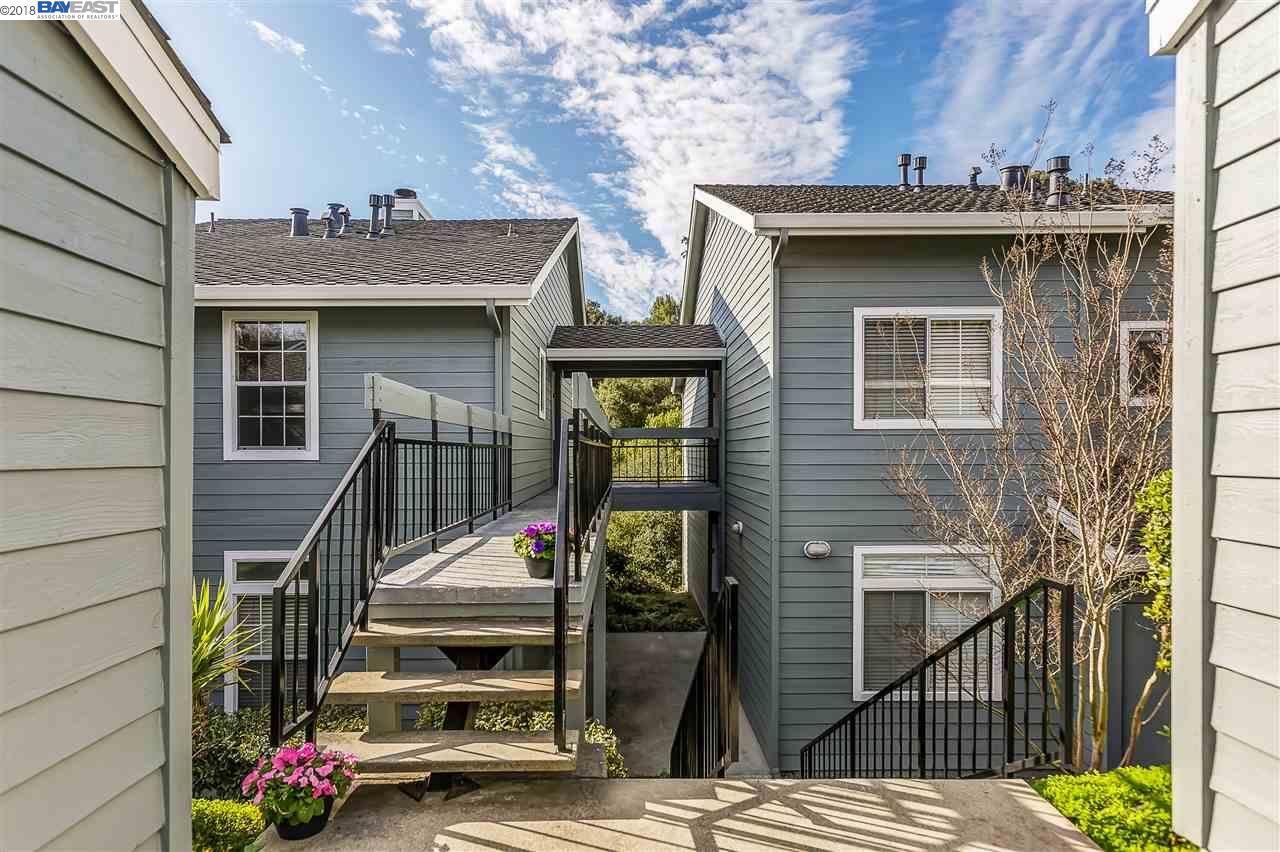 Кондоминиум для того Продажа на 7855 Canyon Meadow Circle 7855 Canyon Meadow Circle Pleasanton, Калифорния 94588 Соединенные Штаты