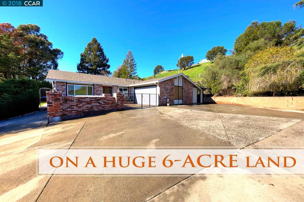 Частный односемейный дом для того Продажа на 3749 Carol Street 3749 Carol Street Pinole, Калифорния 94564 Соединенные Штаты