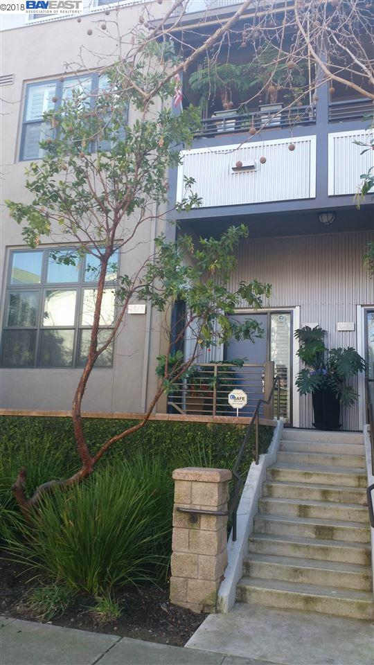 Townhouse for Sale at 2947 Glascock Street 2947 Glascock Street Oakland, California 94601 United States