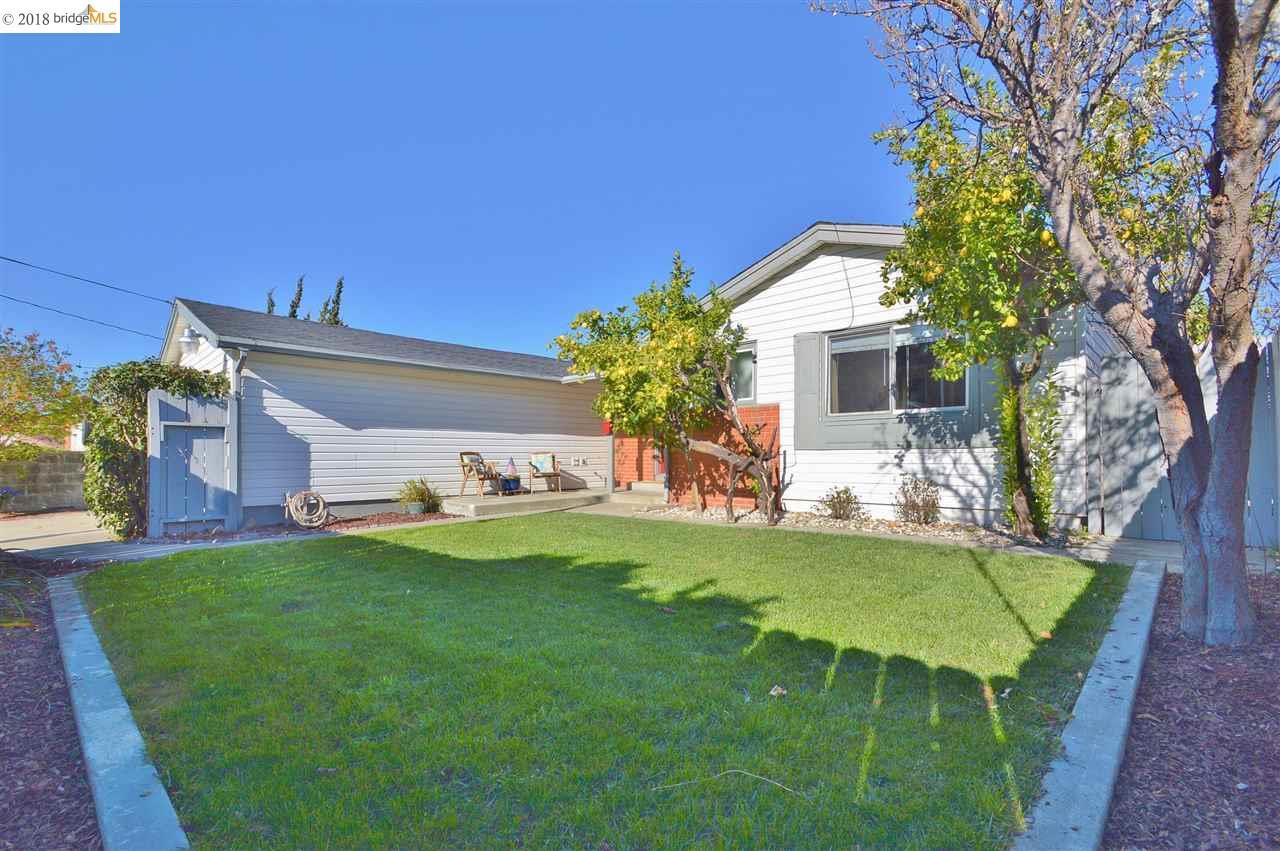 واحد منزل الأسرة للـ Sale في 2907 Flannery Road 2907 Flannery Road San Pablo, California 94806 United States