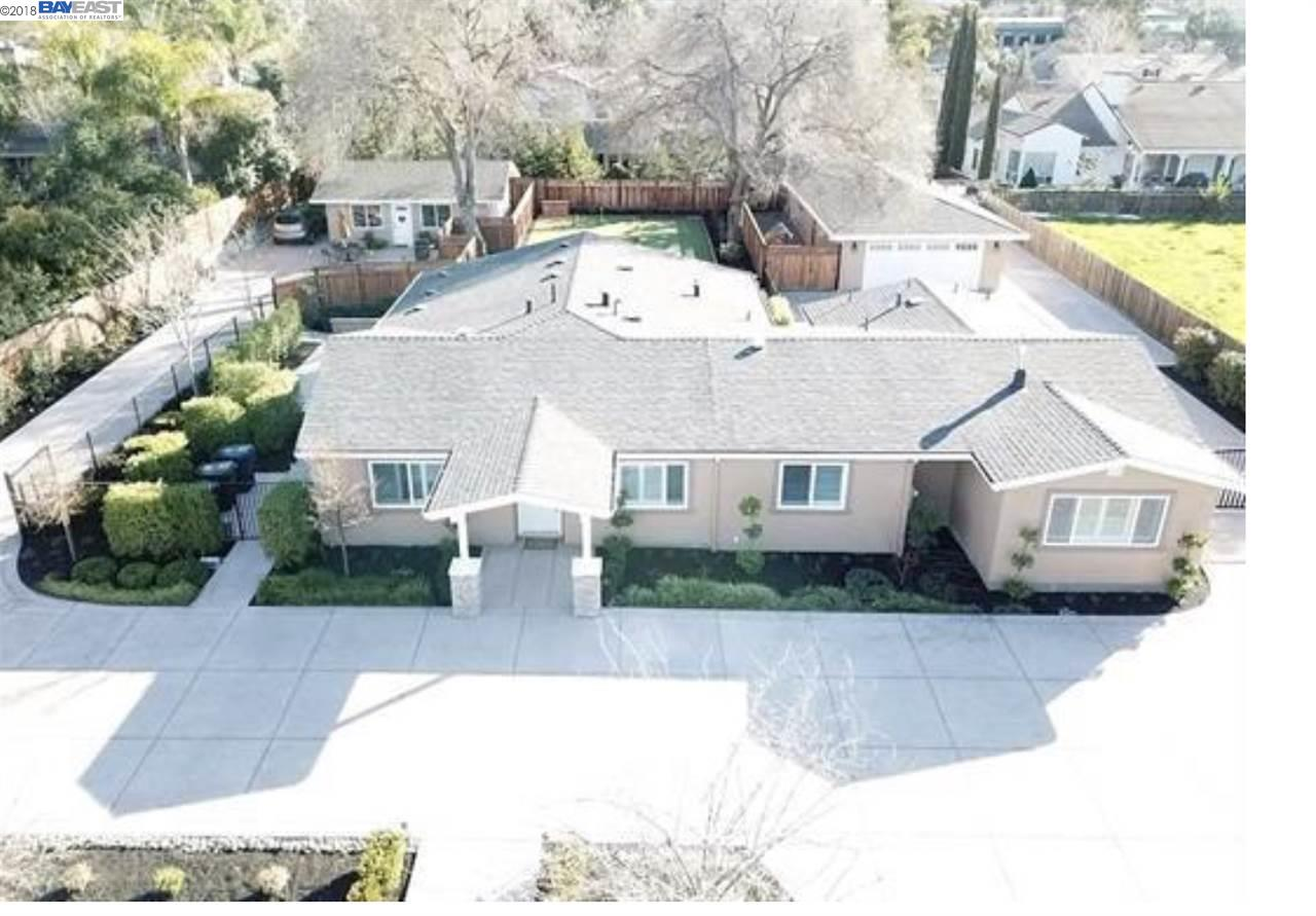 متعددة للعائلات الرئيسية للـ Sale في 2315 Bess Avenue 2315 Bess Avenue Livermore, California 94550 United States