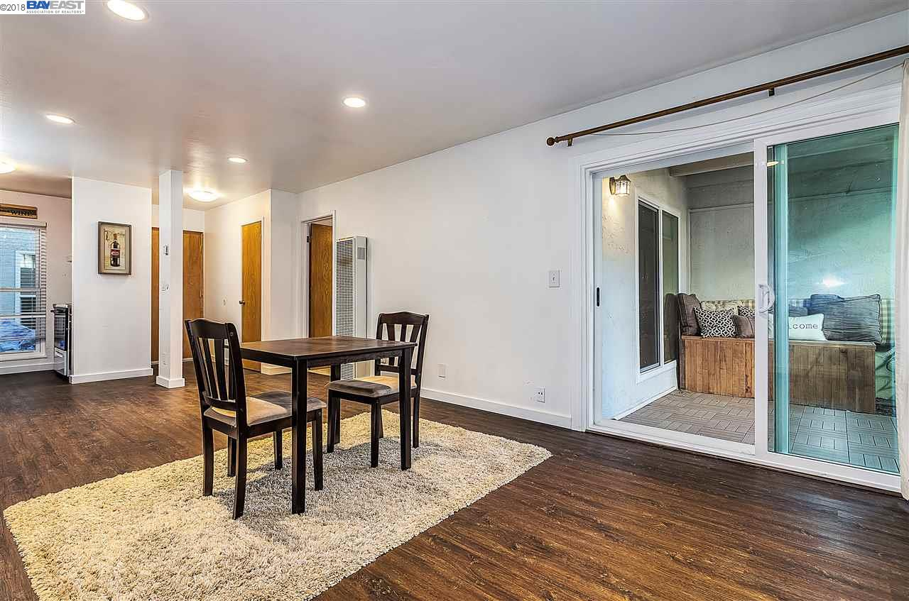 Additional photo for property listing at 1411 Creekside Drive 1411 Creekside Drive Walnut Creek, California 94596 United States
