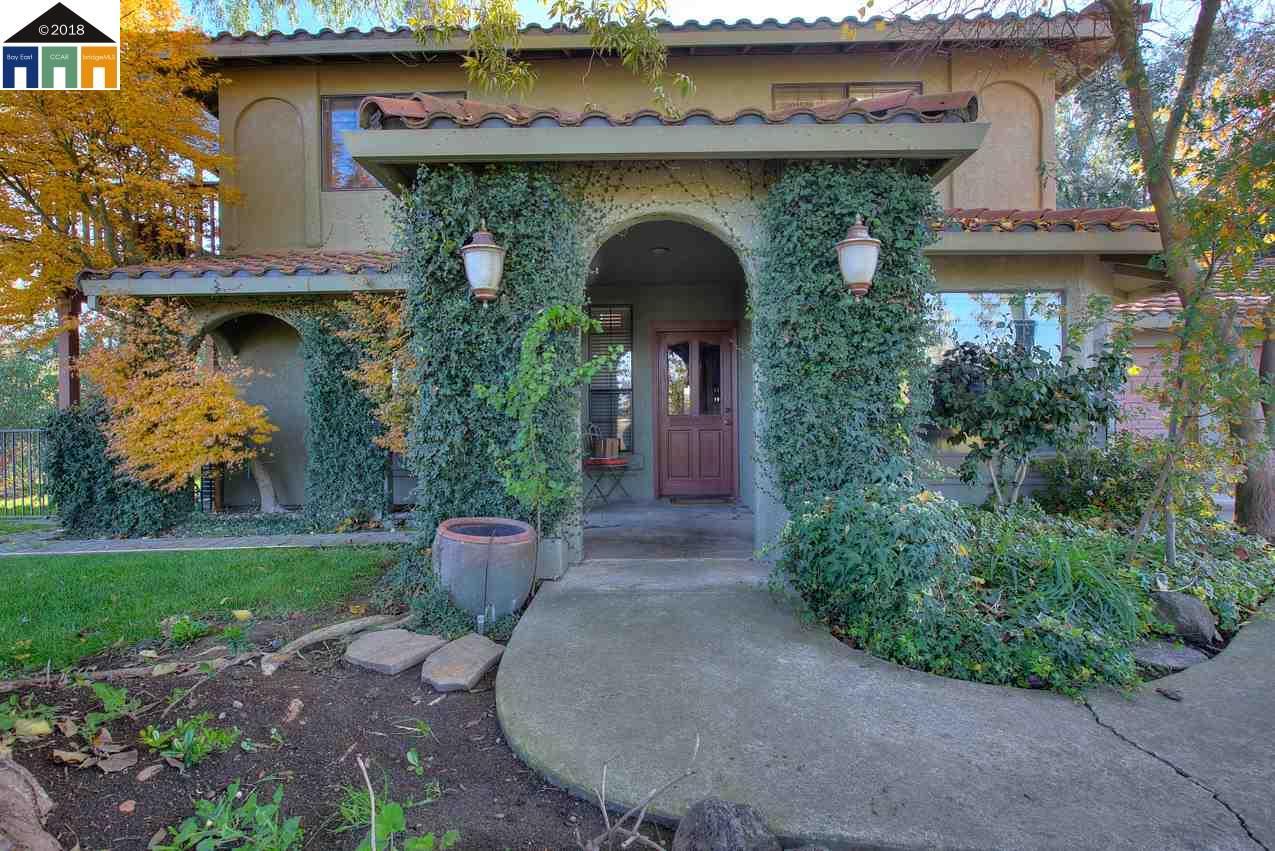 Частный односемейный дом для того Продажа на 9200 rodden road 9200 rodden road Oakdale, Калифорния 95361 Соединенные Штаты