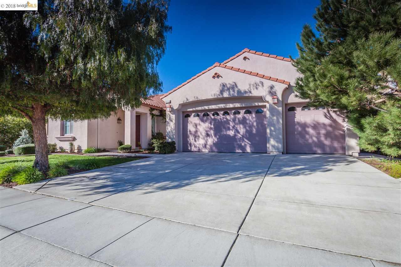 Casa Unifamiliar por un Venta en 714 Solitude Drive 714 Solitude Drive Oakley, California 94561 Estados Unidos