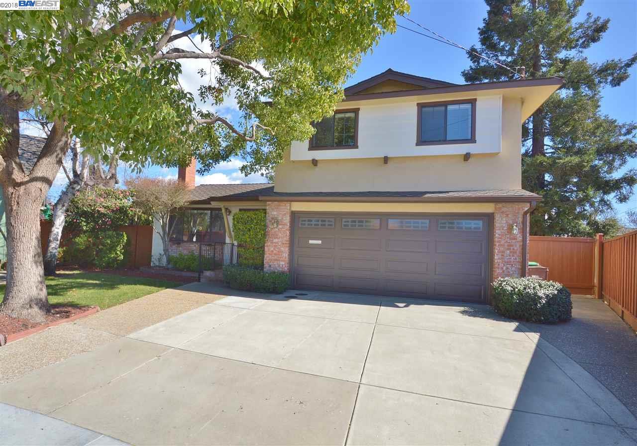 واحد منزل الأسرة للـ Sale في 54 Corte Eulalia 54 Corte Eulalia San Lorenzo, California 94580 United States