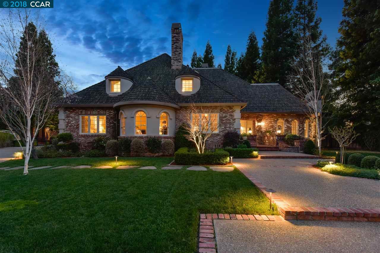 Частный односемейный дом для того Продажа на 34 Rosewood Court 34 Rosewood Court Danville, Калифорния 94506 Соединенные Штаты