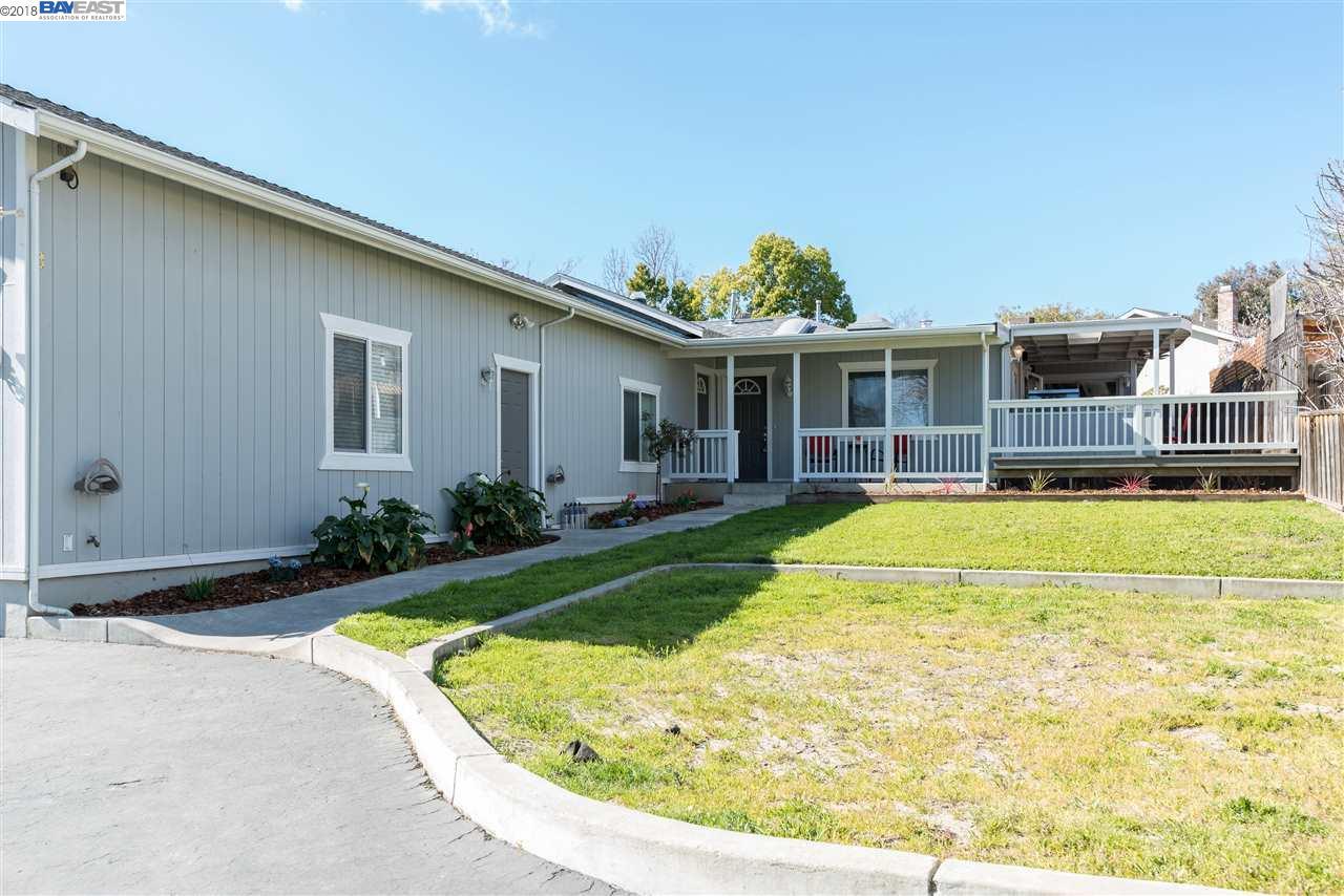 Частный односемейный дом для того Продажа на 178 High Street 178 High Street Pacheco, Калифорния 94553 Соединенные Штаты