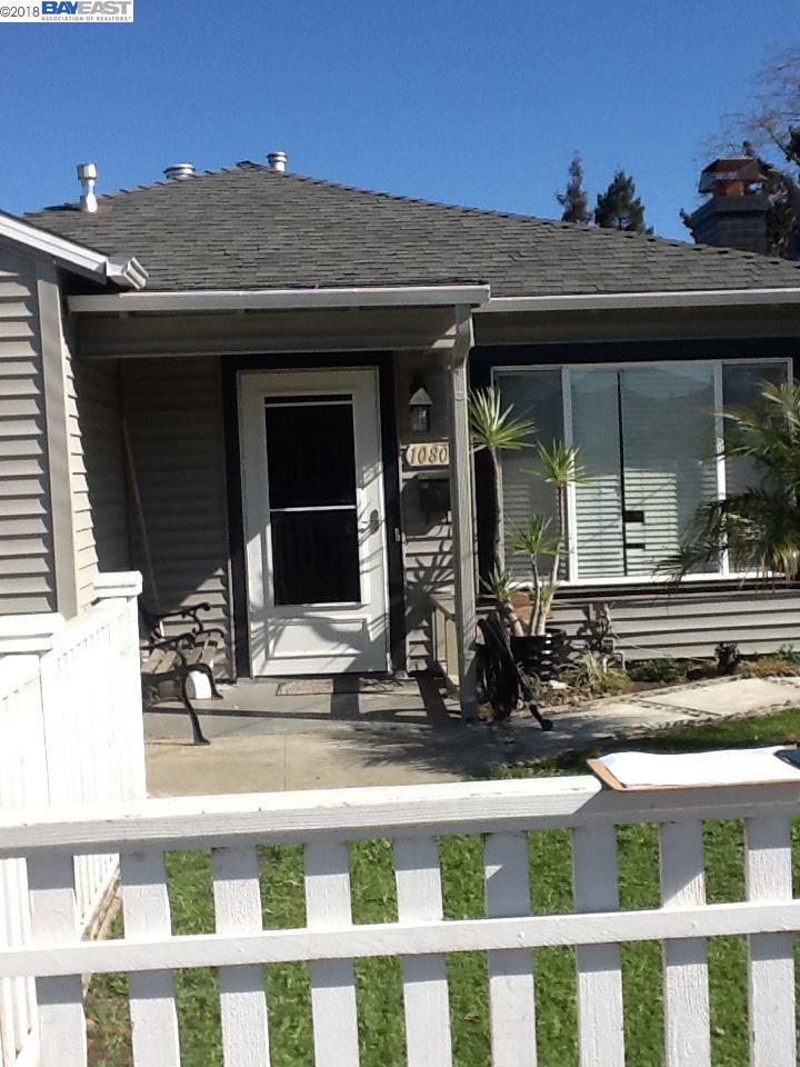 Maison unifamiliale pour l Vente à 10802 Pearmain Street 10802 Pearmain Street Oakland, Californie 94603 États-Unis