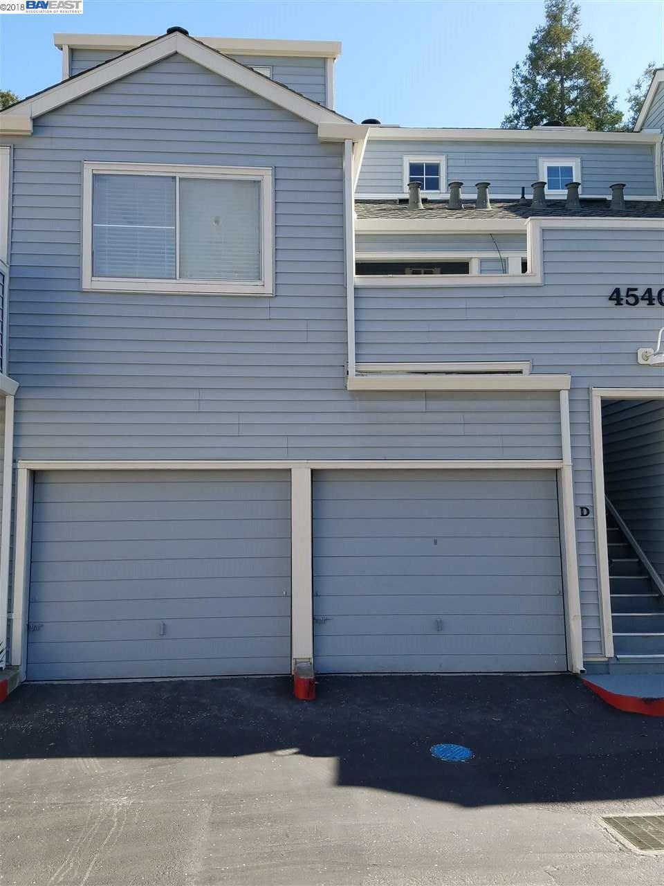 Appartement en copropriété pour l Vente à 4540 MELODY Drive 4540 MELODY Drive Concord, Californie 94521 États-Unis
