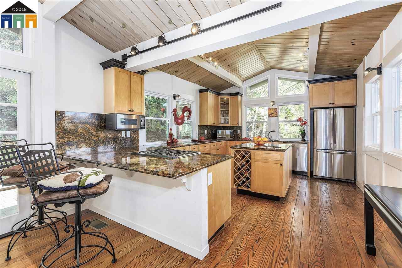 Additional photo for property listing at 12 Dos Posos 12 Dos Posos Orinda, Californie 94563 États-Unis
