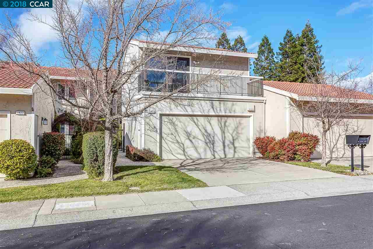 Townhouse for Sale at 1425 Quail View Circle 1425 Quail View Circle Walnut Creek, California 94597 United States