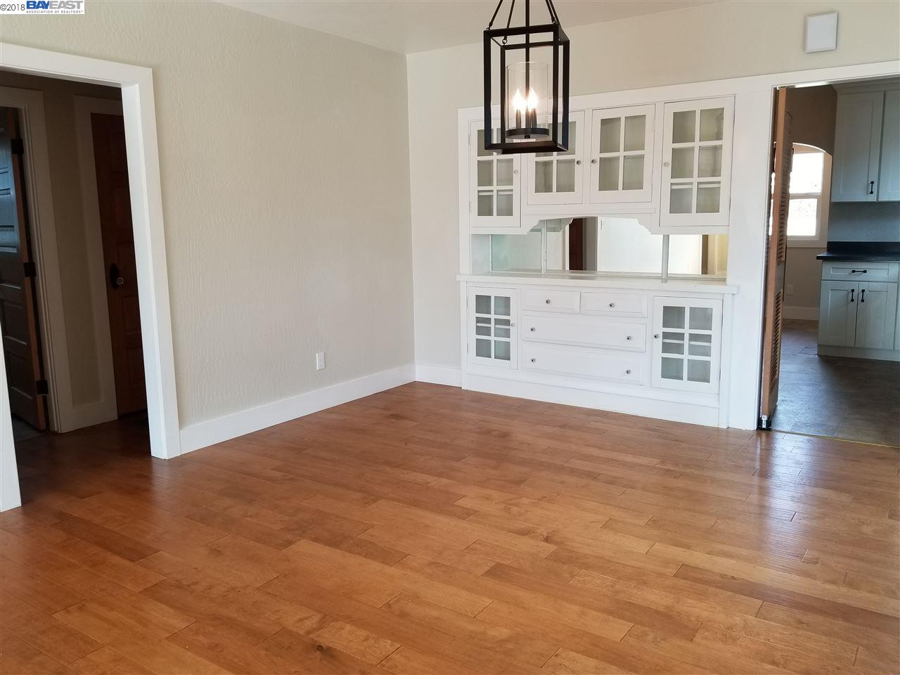 Additional photo for property listing at 6264 Hayes Street 6264 Hayes Street Oakland, カリフォルニア 94621 アメリカ合衆国