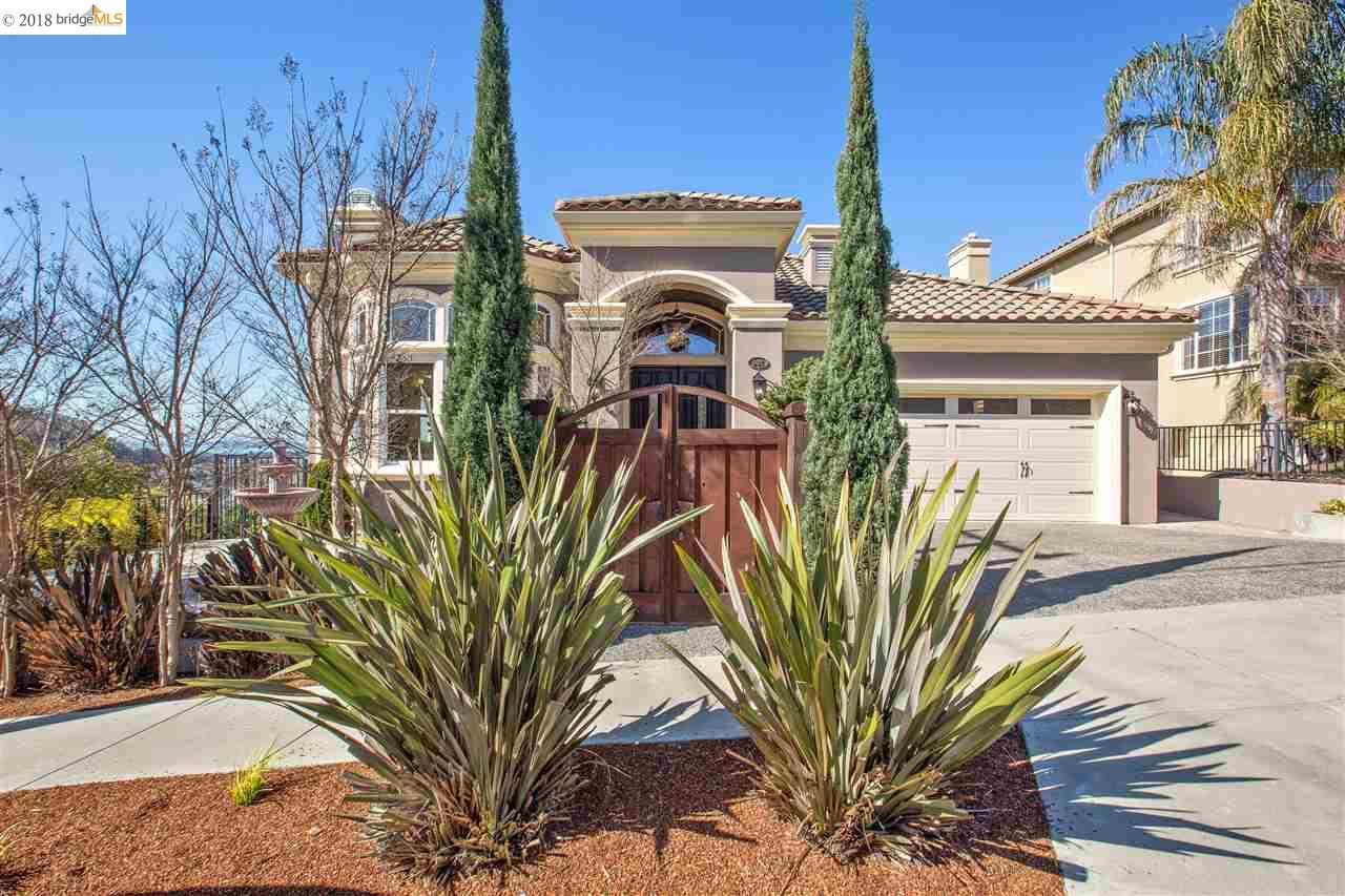 Single Family Home for Sale at 601 Bonnie Drive 601 Bonnie Drive El Cerrito, California 94530 United States