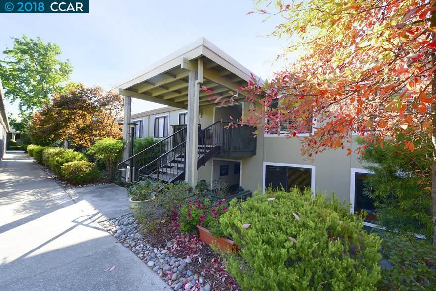 Appartement en copropriété pour l Vente à 2709 Golden Rain Road 2709 Golden Rain Road Walnut Creek, Californie 94595 États-Unis