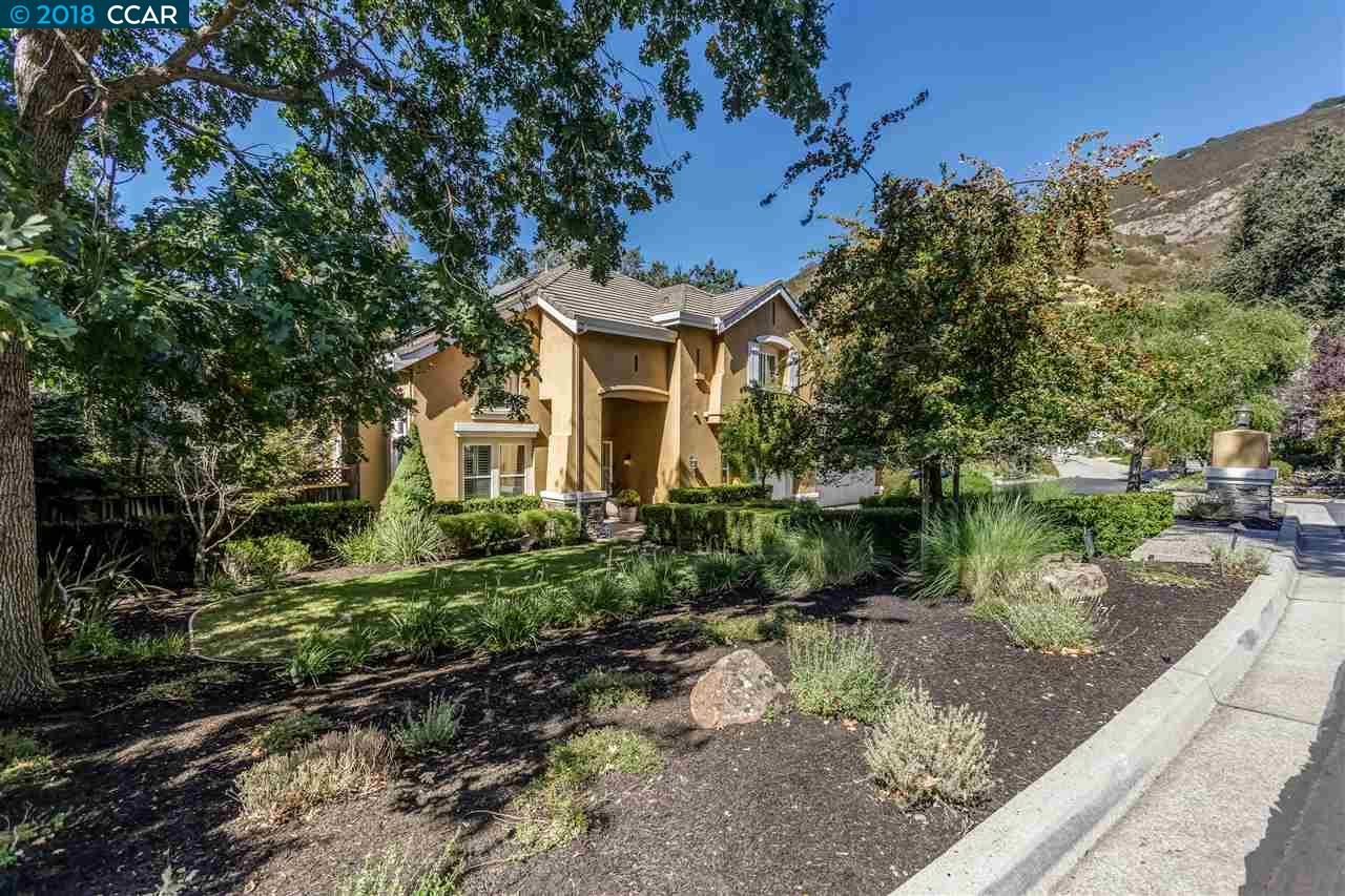 獨棟家庭住宅 為 出售 在 61 Blackhills Place 61 Blackhills Place Danville, 加利福尼亞州 94506 美國