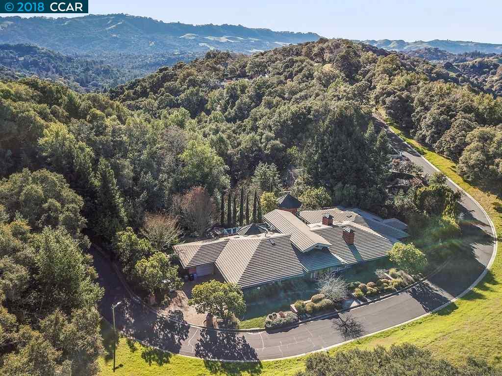 Частный односемейный дом для того Продажа на 15 Orinda View Road 15 Orinda View Road Orinda, Калифорния 94563 Соединенные Штаты