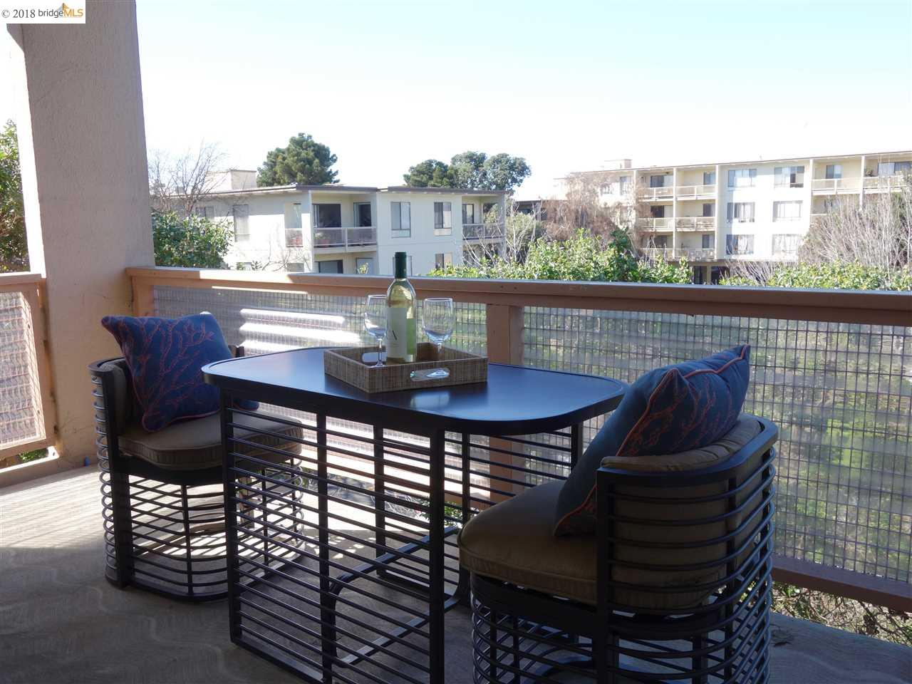 Condominium for Sale at 4 Commodore Drive 4 Commodore Drive Emeryville, California 94608 United States