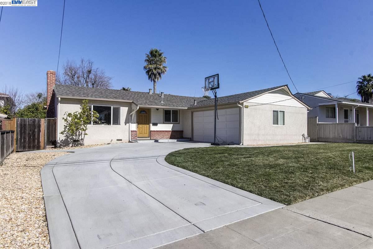 Maison unifamiliale pour l Vente à 499 ENOS Street 499 ENOS Street Fremont, Californie 94539 États-Unis
