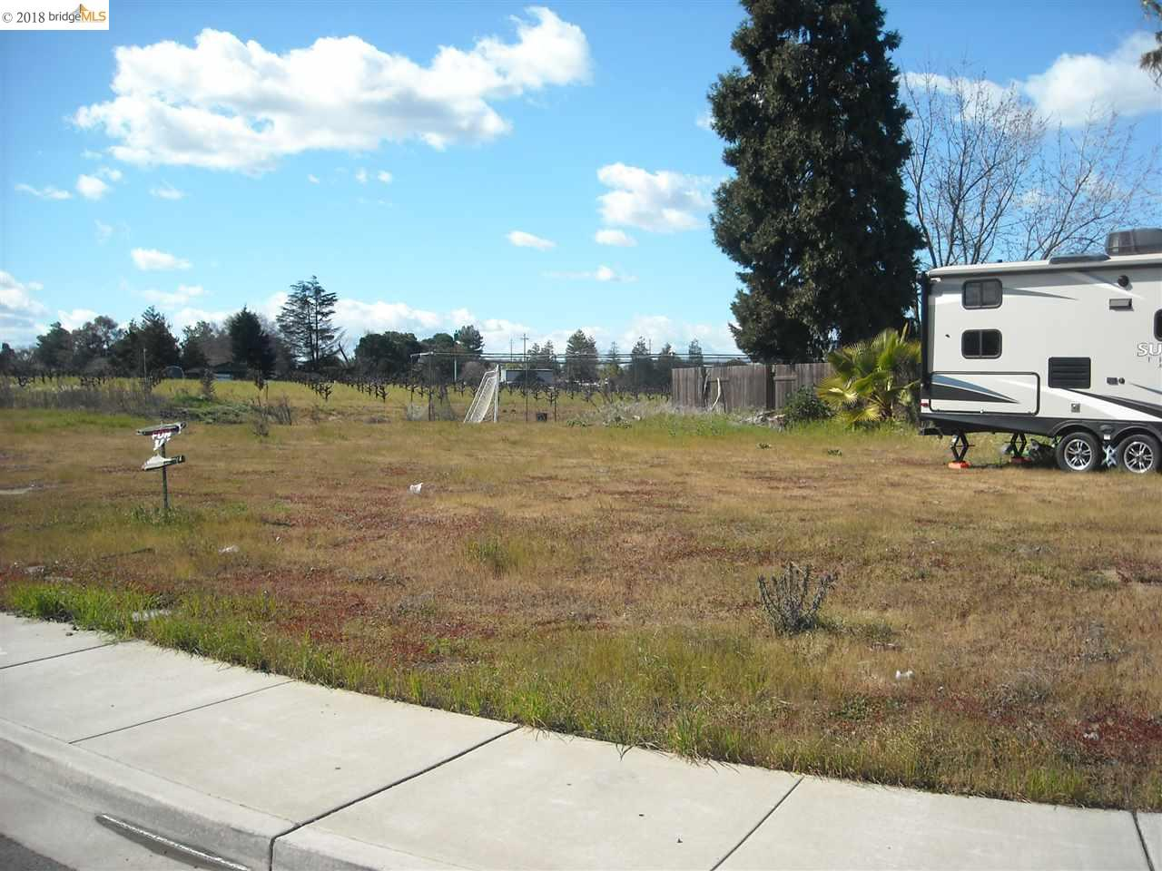 Additional photo for property listing at 4907 Beldin Lane 4907 Beldin Lane Oakley, California 94561 Estados Unidos